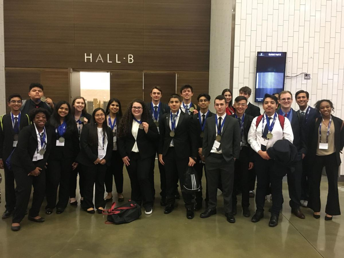 29 Little Elm ISD students advance to DECA state competition