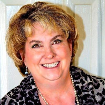 Robyn Mead