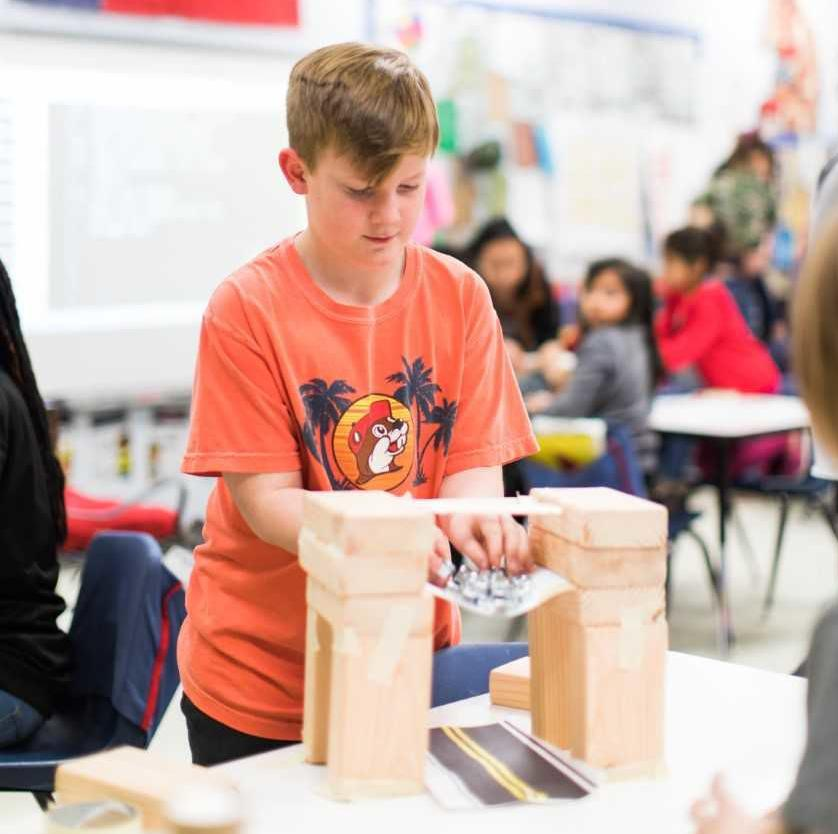 What A STEM Program In Middle Schools Could Look Like In