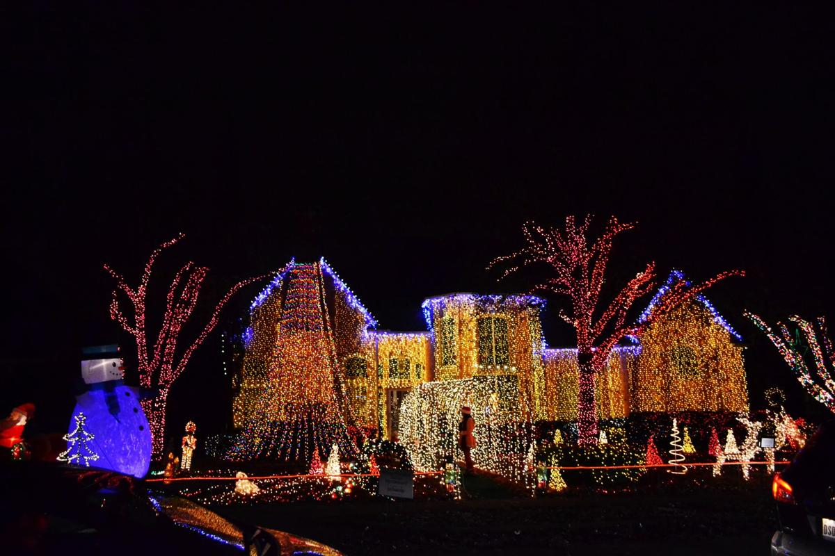 deerfield christmas tradition remains intact news starlocalmediacom - Deerfield Plano Christmas Lights