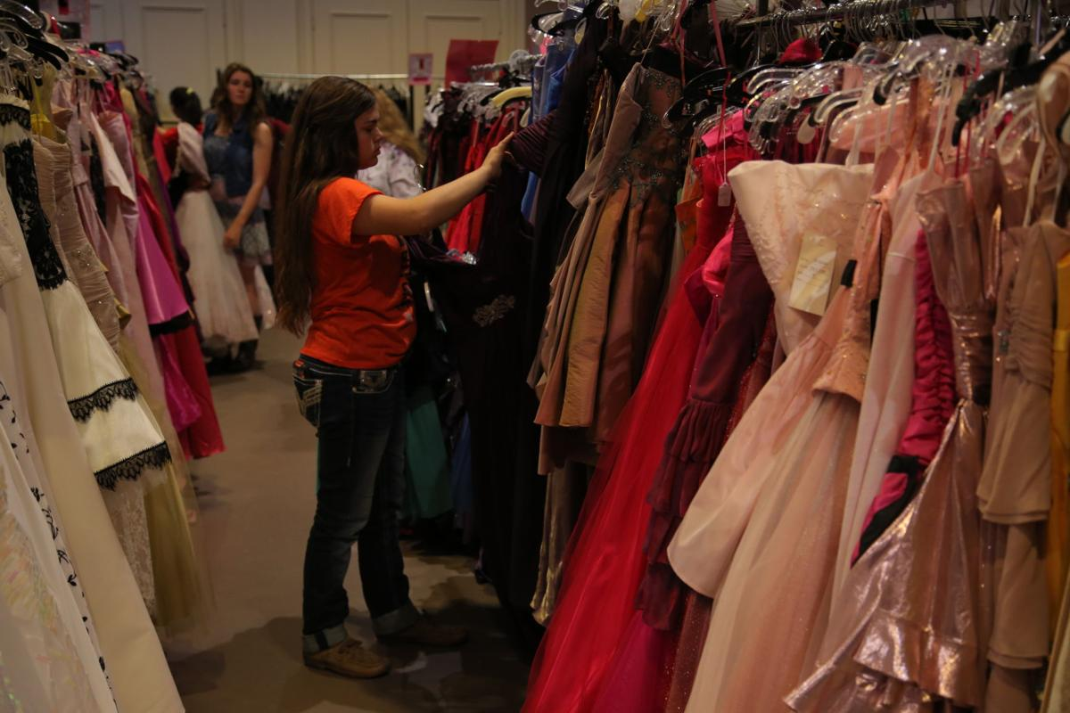 St. Andrew UMC accepting donations for prom closet | Plano Star ...