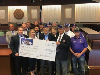 Wounded warriors donate to veterans memorial