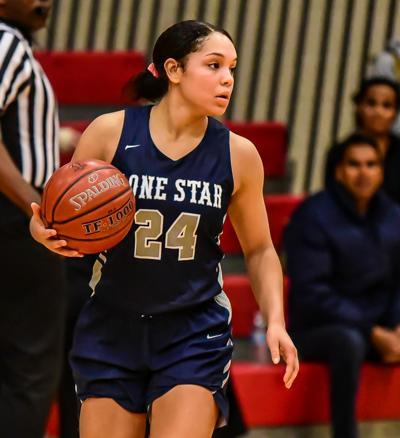 Lone Star sophomore guard Kyla Deck