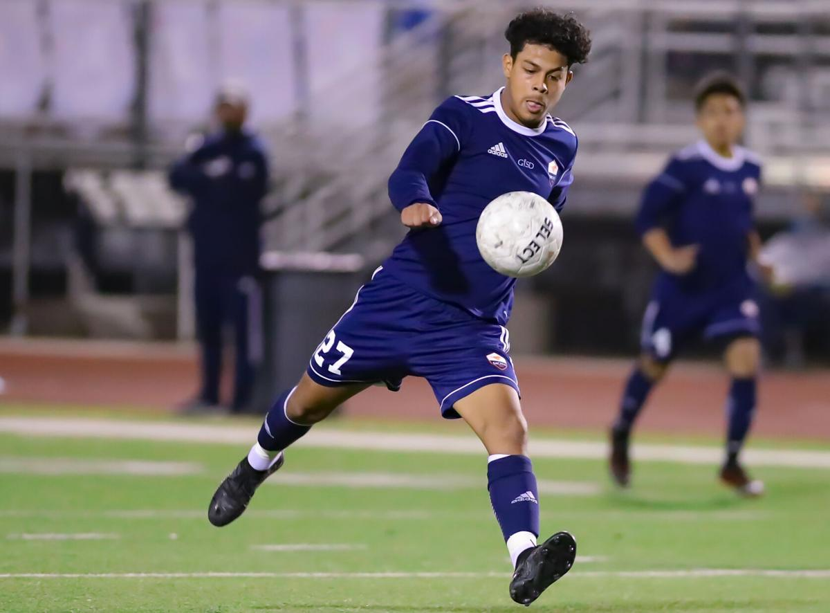 Mustangs Move On: Sachse boys advance to regional quarterfinals