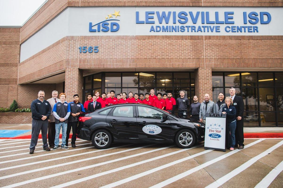 5 Star Ford Lewisville >> Lewisville Ford Dealership Donates Vehicle To Lisd Students