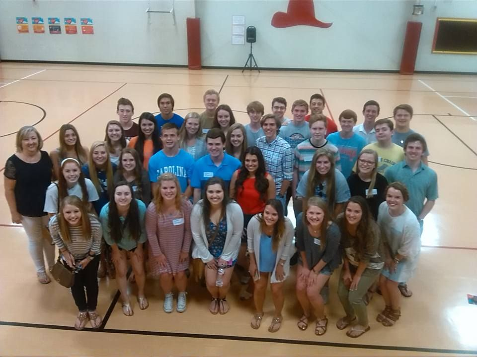 Coppell's Pinkerton Elementary hosts reunion for high school seniors