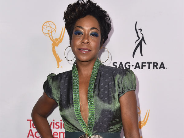 Tichina Arnold blasts soon-to-be ex by texting sex tape ...