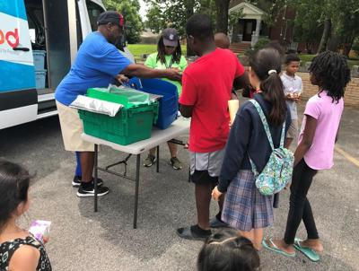 Summer program to feed hungry kids in place of school hunches