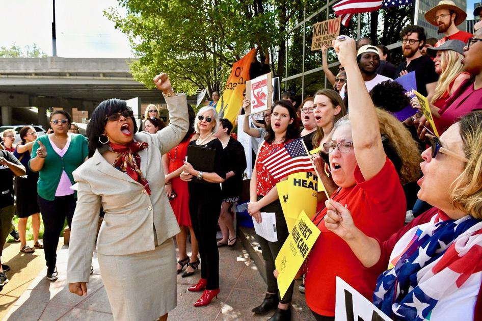 Demonstrators rally, will set up tents outside U.S. Sen. Roy Blunt's office in Clayton to oppose pending Kavanaugh appointment