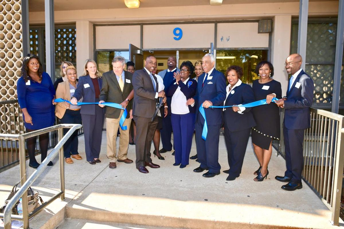Ribbon cutting at the health clinic at Riverview Gardens High School