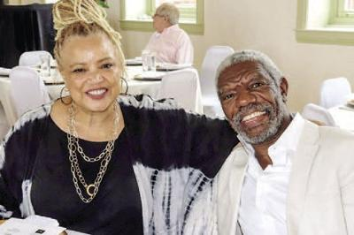 Swag Snap of the Week: Kasi Lemmons and Vonde Curtis Hall