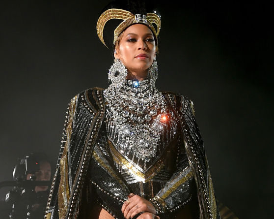 Because of Beyonce a black photographer will reportedly shoot Vogue cover for first time in magazine's 126-year history