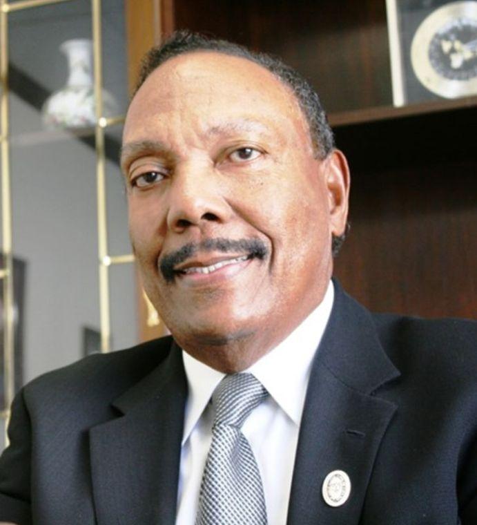 Larkin Arnold Jr.
