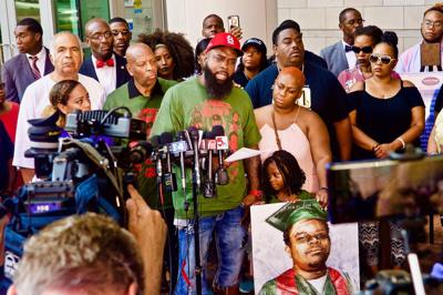 Michael Brown Sr. calls for son's case to be reopened