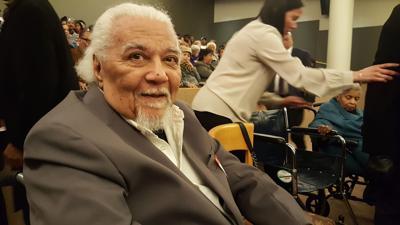 Dr. Earle U. Robinson Jr.,
