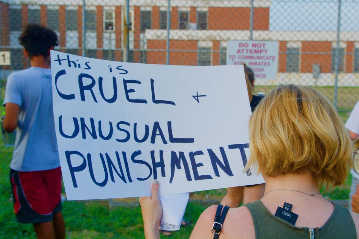 Activists protest on behalf of Workhouse inmates