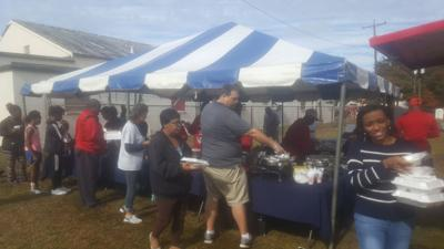 Multitiude fed in fifth annual event