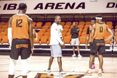 OSU alumnus Hinson joins Cowboy basketball staff