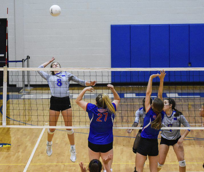 Stillwater High volleyball closes out final two sets of home sweep