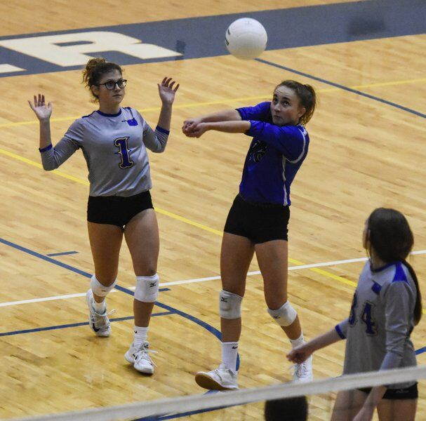 Lady Pioneers return to action, swept by Mustang
