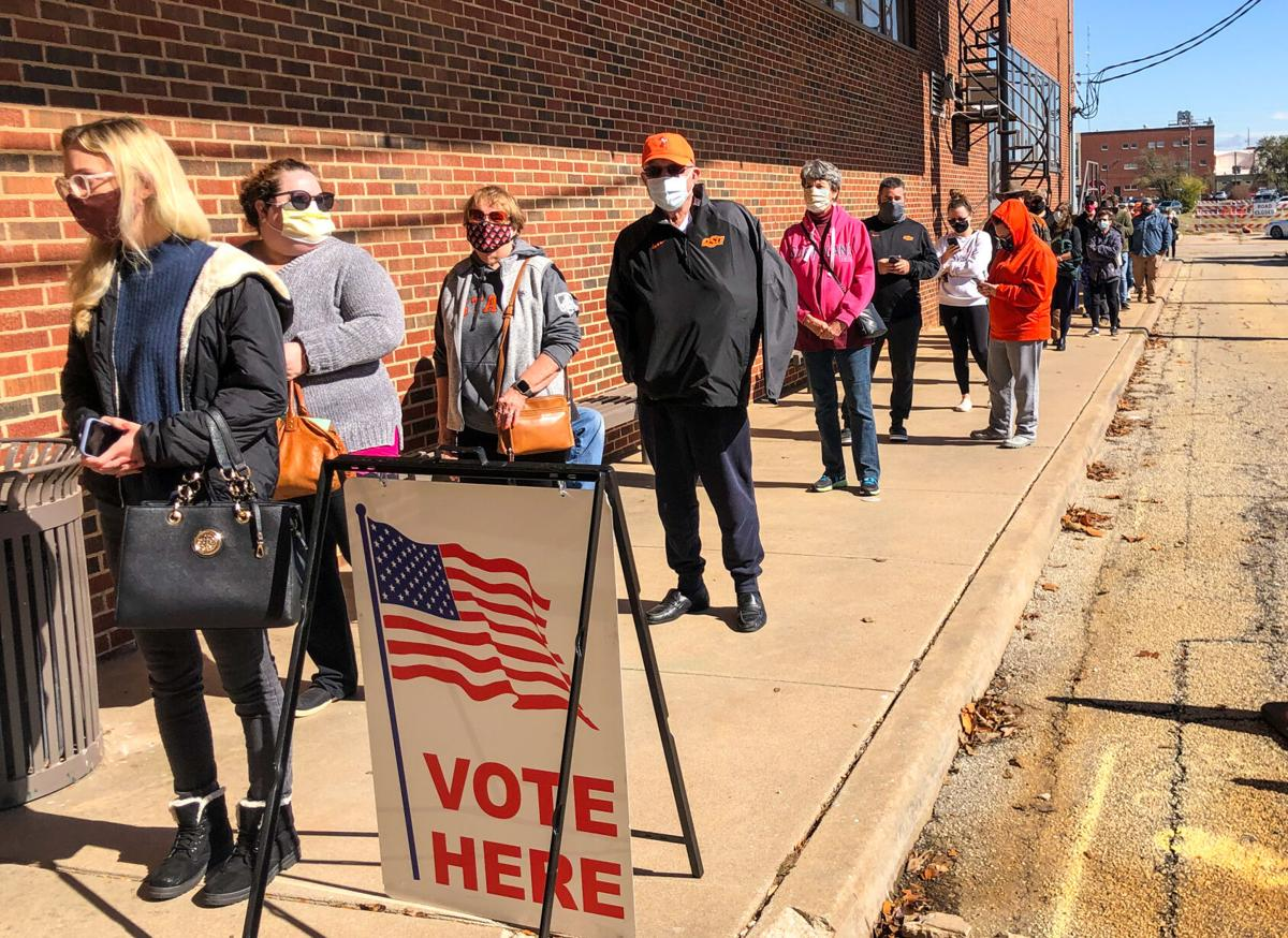 Early voting front of line.jpg