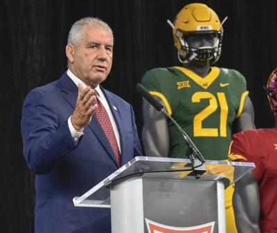 Big 12 commissioner Bowlsby chats about the mat