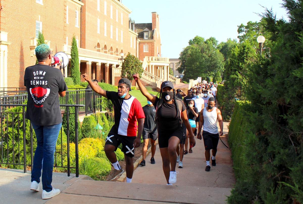 Student Union marchers