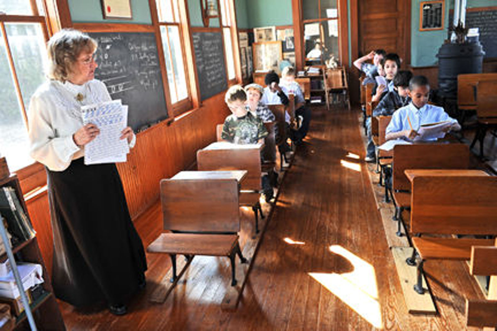 All Of The Volunteers In A Living History School Program At Pleasant Valley  Schools Are Retired Teachers, And The School And Its Historical Program  Exist ...