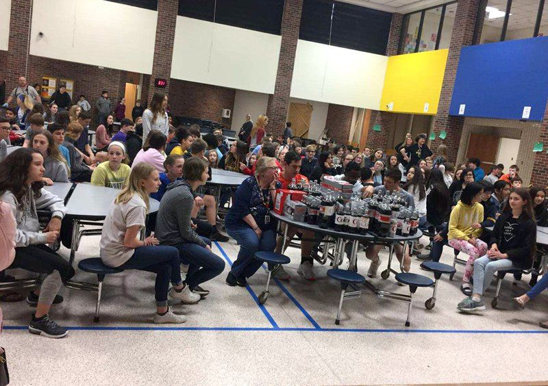 Get it popping: SMS students have special goodbye for Mrs. Petree