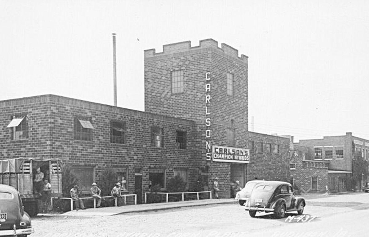 An Old Picture of the former Carlson's building
