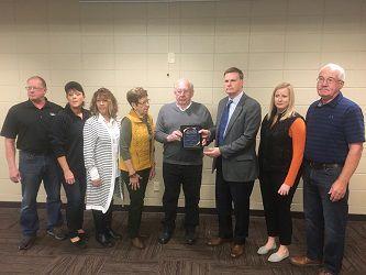 Handlos Family gets award