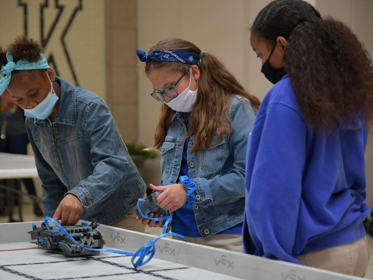 LPS holds first ever elementary robotics competition