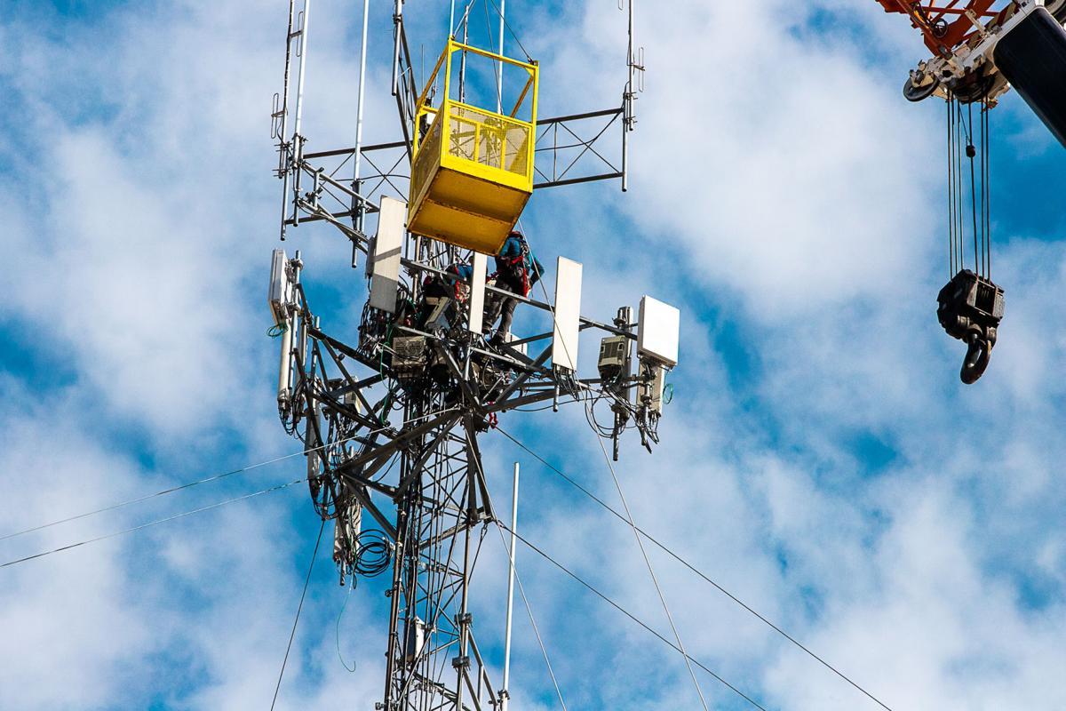 Maintenance on city communications tower