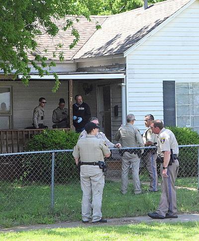 Deputies debrief following standoff