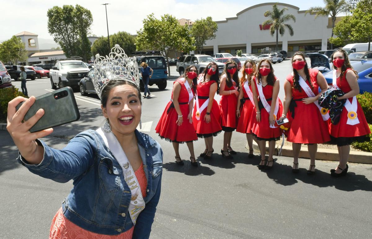 052320 Flower Queen parade 02.jpg