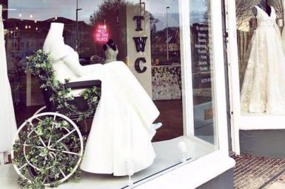 People Are Praising This Bridal Store For A Window Display With A Mannequin In A Wheelchair