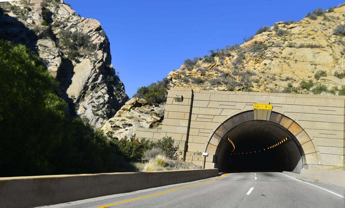 121916 Gaviota Scenic Highway 07.jpg