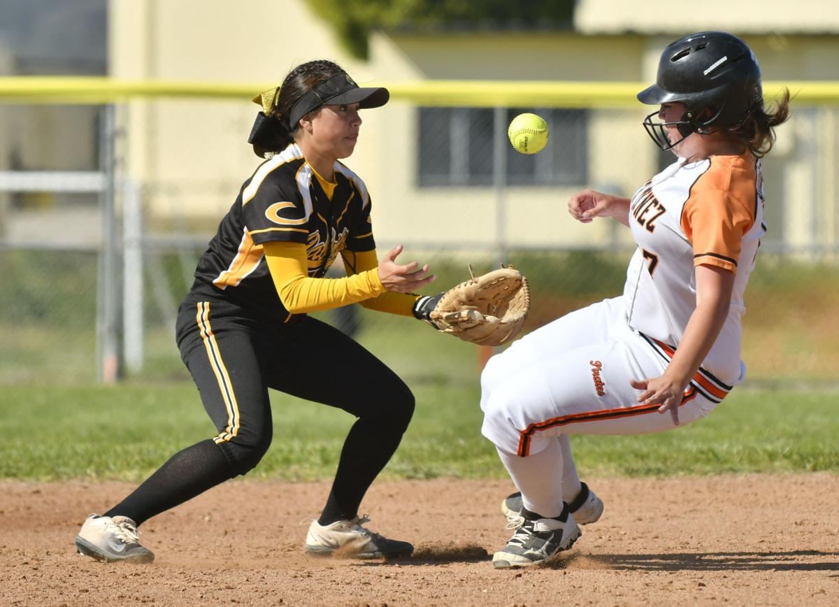 042018 SY Cabrillo softball 01.jpg