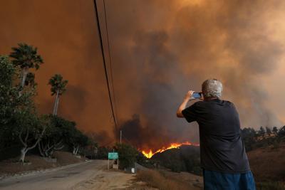 US-NEWS-CALIF-WILDFIRE-MONEY-LA
