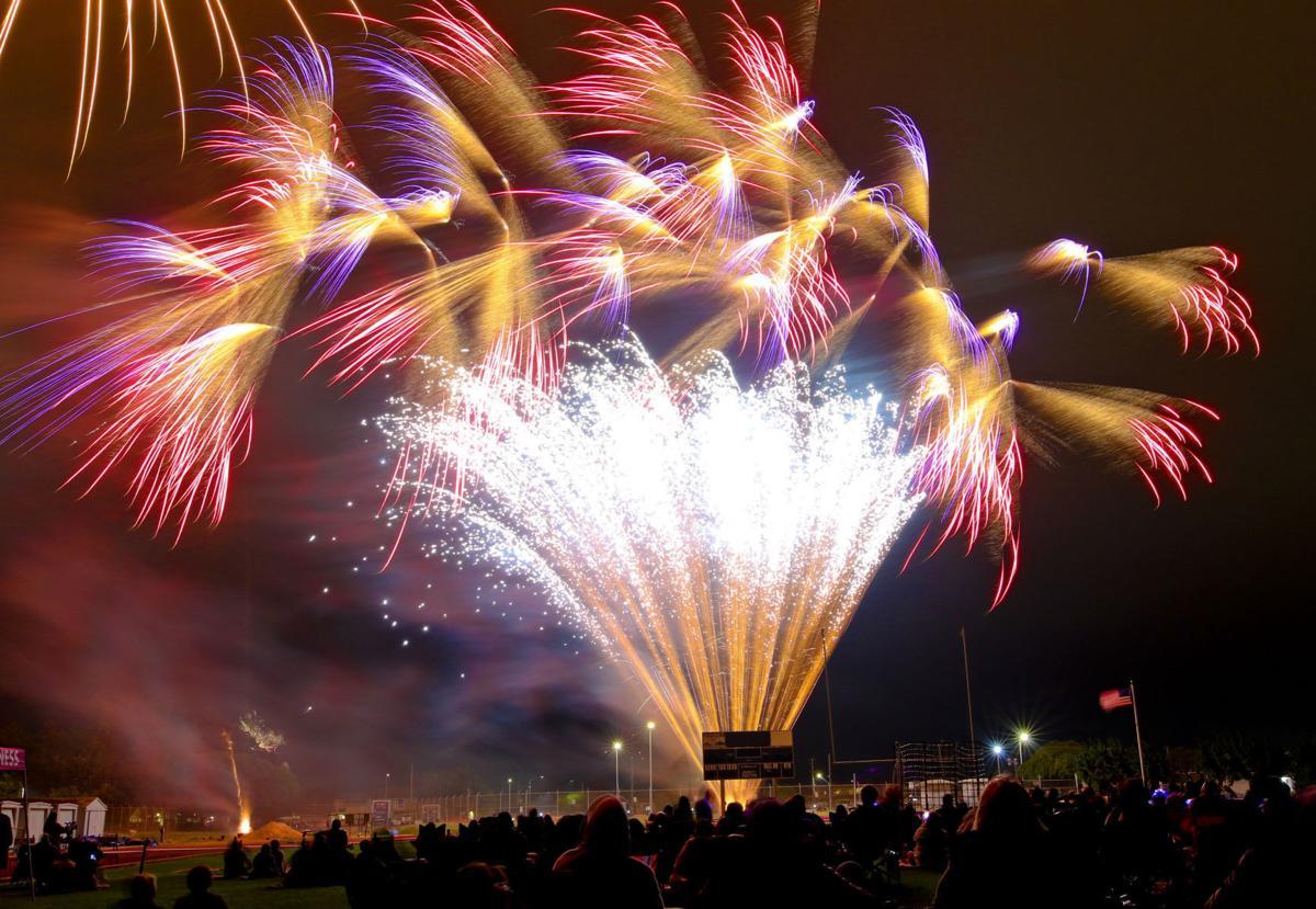 070419 Lompoc fireworks 01.jpg
