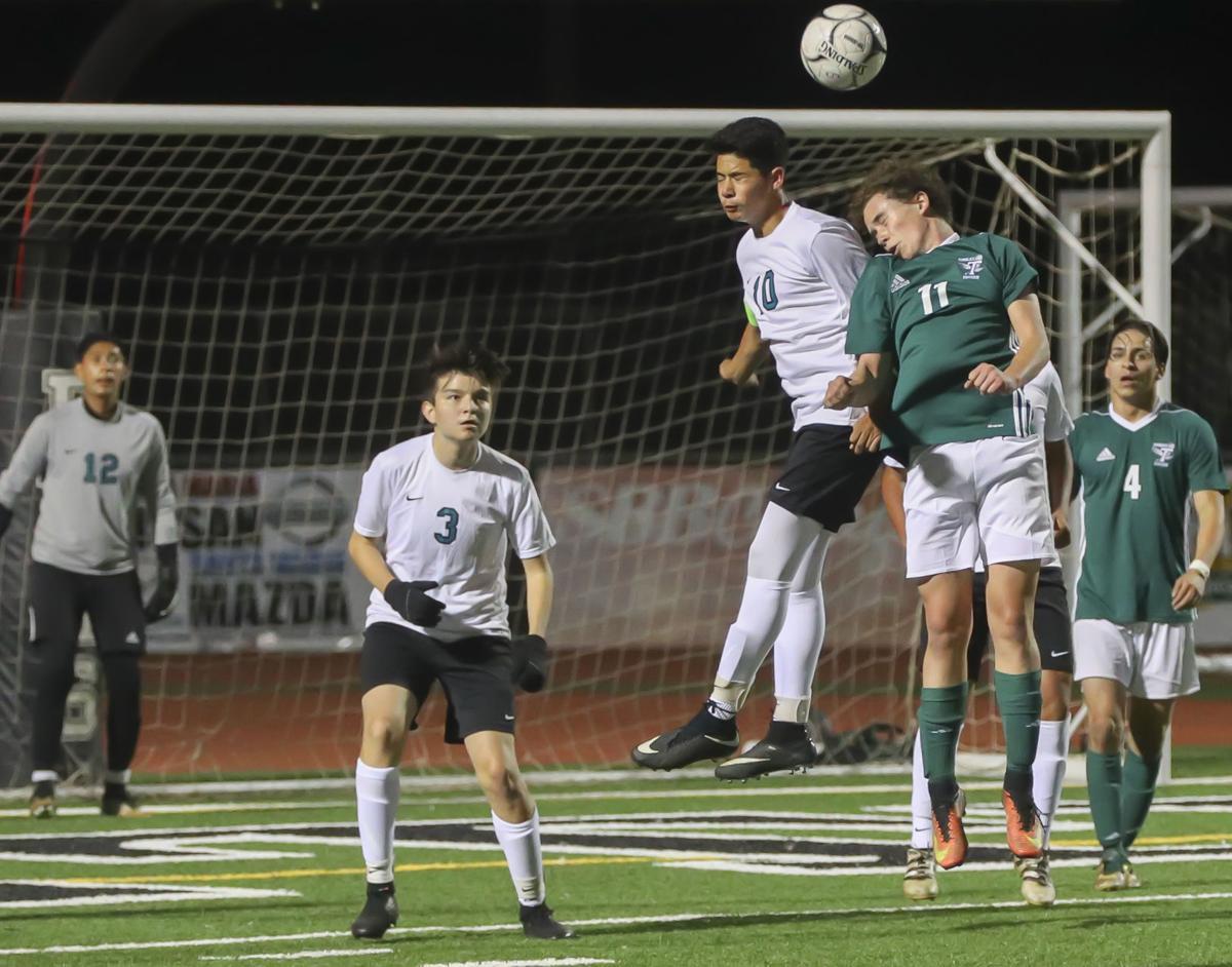 Boys Soccer Pioneer Valley vs Templeton