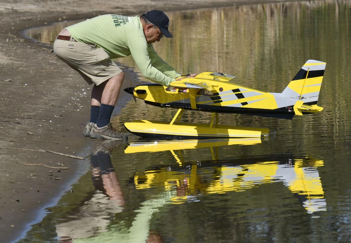 030818 RC float planes 05.jpg
