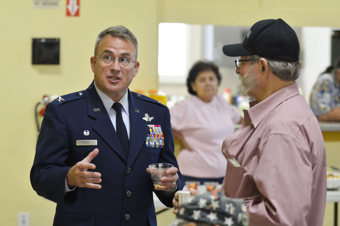 082515 Capps veterans 07.jpg