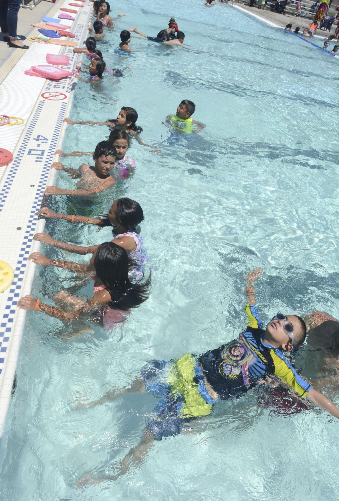 Gallery Santa Maria Participates In World 39 S Largest Swim Lesson