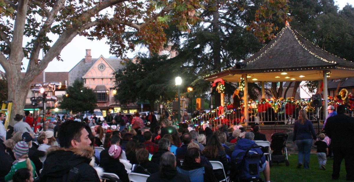 Solvang tree lighting crowd