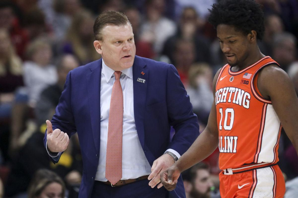 Illinois coach Brad Underwood talks with guard Andres Feliz during the first half against Northwestern\u00a0in the Big Ten Tournament on March 13, 2019,\u00a0at the United Center.