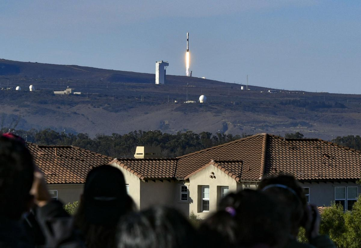 112220 SpaceX launch 02.JPG