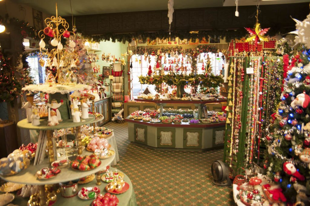 Solvang Ca Christmas.Christmas Year Round Affair For Owners Of Solvang S Jule