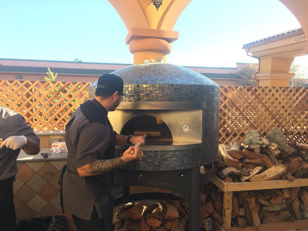Valley Eatery & Bar Pizza Oven02