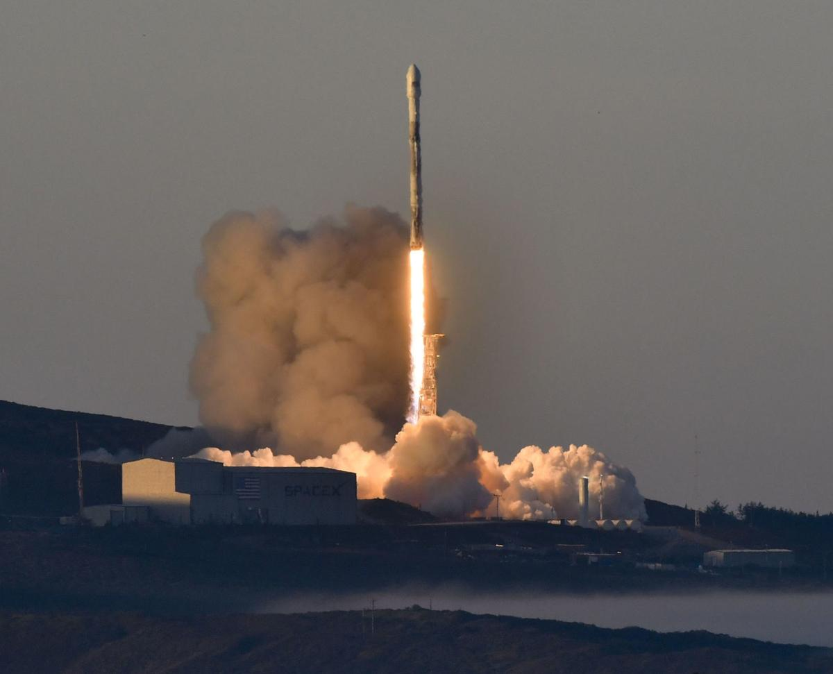 033018 SpaceX Iridium launch 11.jpg (copy)